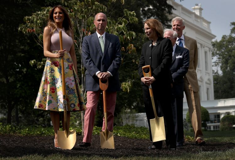 first-lady-melania-trump-takes-part-in-a-tree-planting-news-photo-1024643624-1535447597