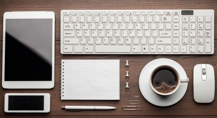 Base-Paralax-escritorio-ordenado