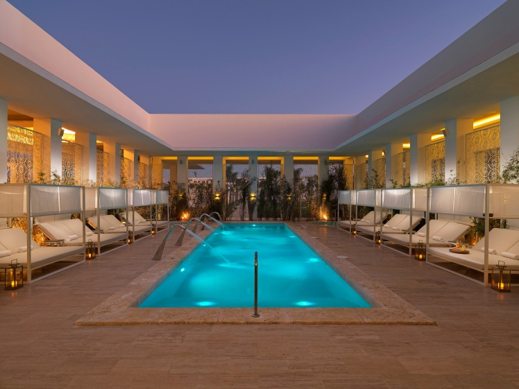 Hotel 04